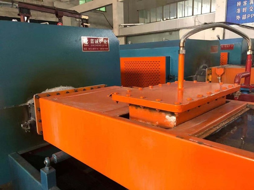 mesh belt hardening furnace in the use