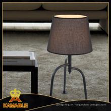 Nueva lámpara de mesa moderna de la cabecera del hotel (GT8379-1)