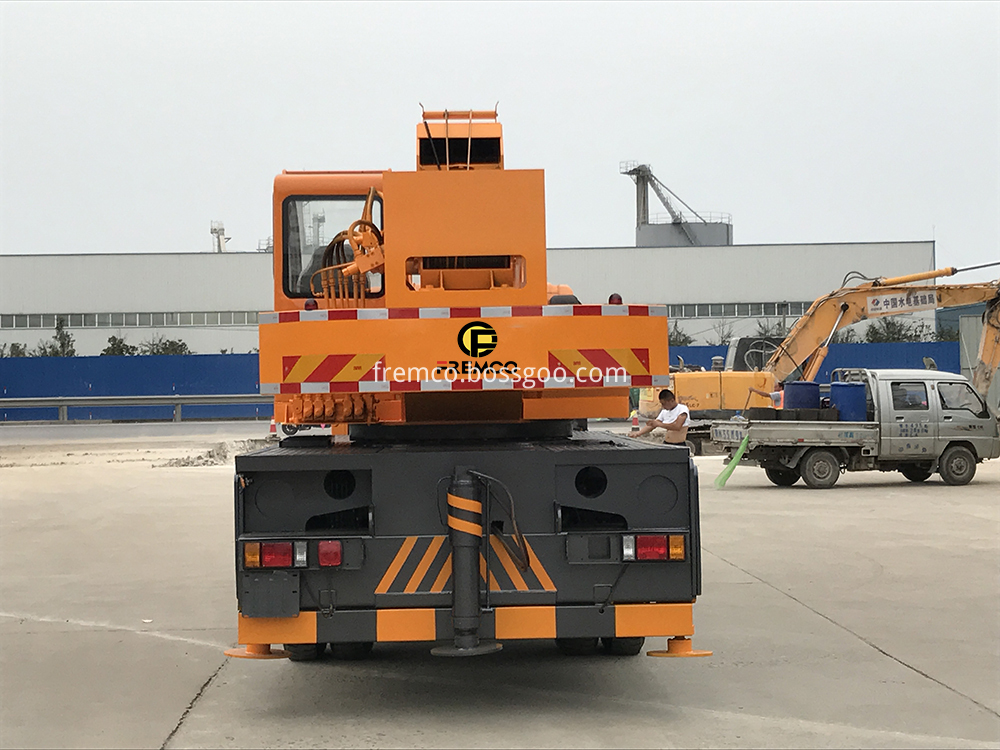 heavy duty truck crane
