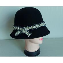 Lässiger Cloche-Hut aus 100 % Wollfilz mit Perlen