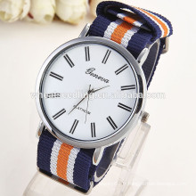 En stock design fashion girls quartz silicone nouvelle arrivée geneva watches