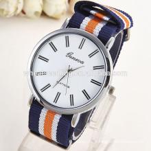 Em estoque design moda meninas quartzo silicone chegada nova Genebra relógios