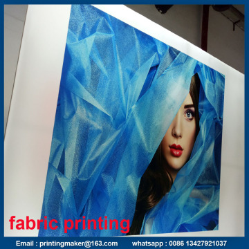 Peregangan Lurus Fabric Banner Graphic