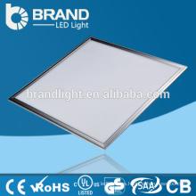 Blanco caliente temperatura de color 600x600 cuadrado plana LED panel de luz de techo