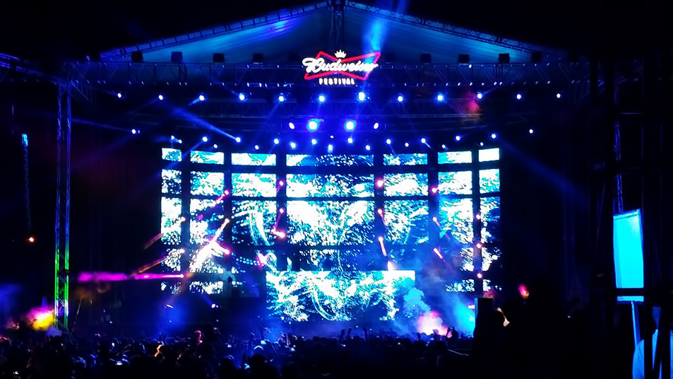 Budweiser Festival with P4.8 Outdoor SMD Rental led display
