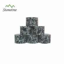 Barzubehör aus Lava Cube Whisky Stone