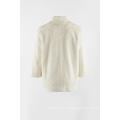 Abrigo blanco cálido de piel sintética