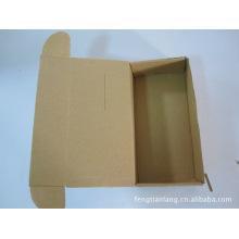 Emballage de boîte de vêtement de fantaisie fait sur commande, boîte de couleur d'affichage de vêtements