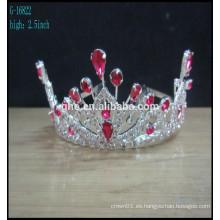 La corona formó la tiaras de la venda de la boda cristales corona la tiara de la tiara de la tiara de la perla de las tiaras y del grano