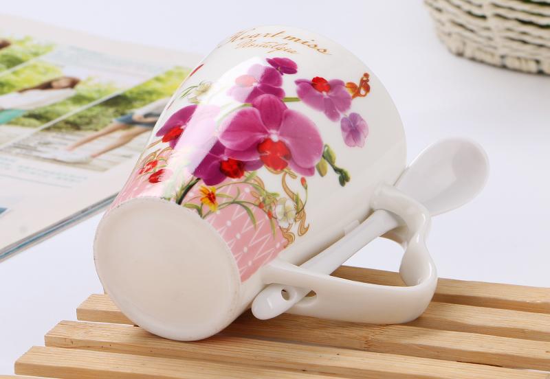 Flower Pattern Ceramic Mug