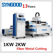 Máquina de corte do laser do metal Fibra 500W 1KW 2KW 3KW para o aço de carbono e aço inoxidável 0.5-20mm Syngood 1.5x3.0m