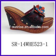 SR-14WHE523-1 2014 Damen PU hochwertige Keilsandelholze Art und Weisefrauen Sandelholze mit Blume neue high-heeled Sandelholze