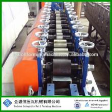 Clavijas metálicas de peso ligero y rodillo de la pista que forman la máquina