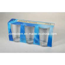 Taza de vidrio en caja de visualización