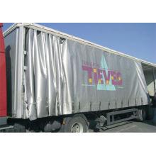 Ткани серого грузового автомобиля с серой тканью