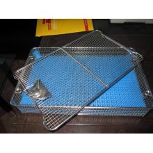 Panier de stérilisation chirurgical avec tapis en silicone