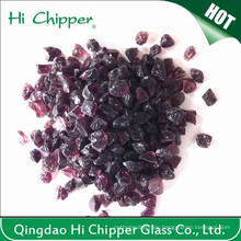 Zerquetschte Dunkel-Purpur-Glas-Chips
