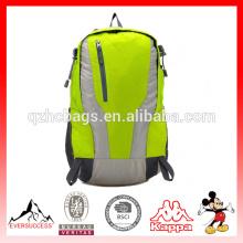 Mochila deportiva de viaje con hombro y doble hombro 30L impermeable con mochila montada en la montaña