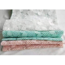 Ausgefallene flache Polyester-Stickerei für Frauenkleider