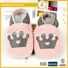 La muestra china bienvenida precio razonable zapatos de bebé de cuero suave 2015