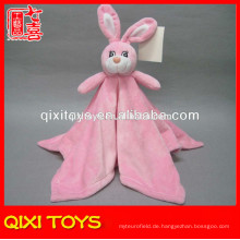 Heiße verkaufende rosa Plüschbabydecke mit Plüschhäschenspielzeug