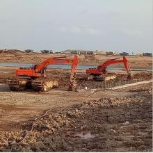 Large Size Amphibious Excavator
