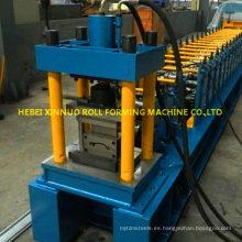 rollos de persianas enrollables que forman la máquina