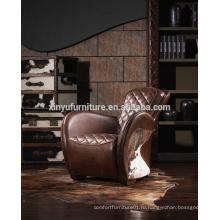 Античный кожаный стул Wingback A617