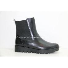Nouveaux chaussures de mode à la mode Bottes en cuir féminin