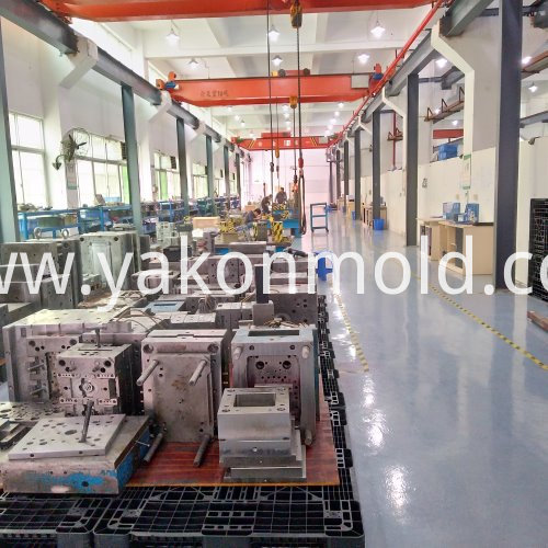 Auto Storage Bin Injection Molding