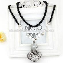 La espinaca elegante de la nueva joyería de moda que viene rebordeó el collar pendiente