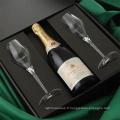 Boîte d'emballage pliante à vin classé avec fermeture magnétique