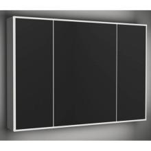 Espelho leve do banheiro do hotel