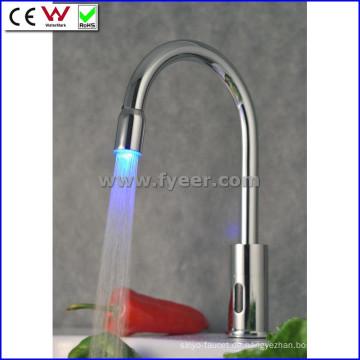 Hände frei bunte automatische LED Sensor Wasserhahn (qh0108f)