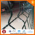 Valla soldada del acoplamiento de alambre / fábrica china fuente soldada cerca del tamaño del agujero cuadrado
