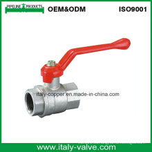 Válvula de bola de latón de paso total con manija de aluminio nivelada (AV1022)