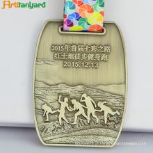 Mais novo personalizado Medalha de metais de lembrancinha