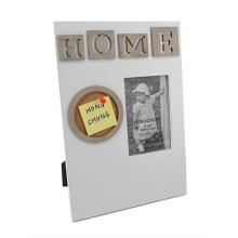 Moldura de madeira com placa de memorando para decoração de casa