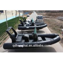 barque RIB520 en bateau avec canot pneumatique consol ce