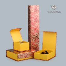 Small flip-top jewelry packaging box for rings