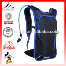 Gran bolsa de paquete de día ligero para hombres Mujeres Niños con bolsa de hidratación de pecho