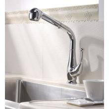 Pull-out Spray Kitchen Sink Faucet com acabamento cromado