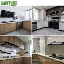 modernes, hochwertiges Luxus-Küchengehäuse aus Holz mit Spüle für das Projekt