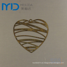 Resultados elegantes de la joyería de Heartshape con el diseño filigrana de cobre amarillo para las ventas