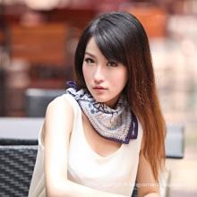 Châle imprimé en soie (12-BR050303-22)