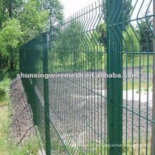 Galvanizado y recubierto de PVC Valla de malla de alambre como valla de seguridad