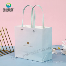 Manufacturer of Cosmetic Packaging Paper Carrier Creative Gift Bag with Handle