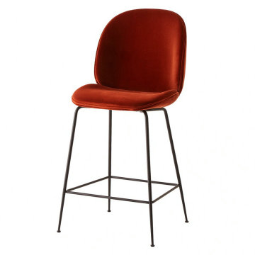 Gubi Beetle counter Hocker aus Fiberglas
