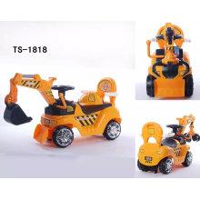Les enfants montent sur la voiture d'oscillation de jouet avec le gros approuvé par En71