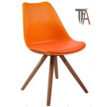 Color naranja con patas de madera Sillas de bar